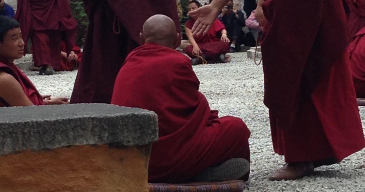 Монахи в Сере