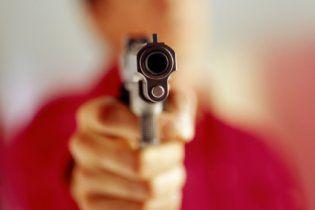 У київському кафе п'яні міліціонери влаштували бійку зі зброєю
