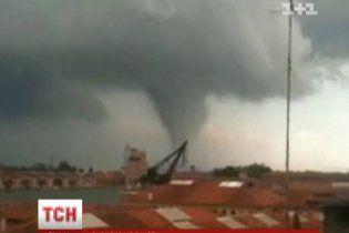 Українцям радять бути готовими до смертоносного тайфуна вже за п'ять років