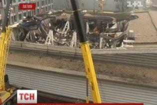 Погибших в обвале супермаркета в Риге насчитывается уже 51 человек