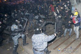 """Попов пояснив, чому наказав завезти """"ялинку"""" на Майдан саме у ніч на 30 листопада"""