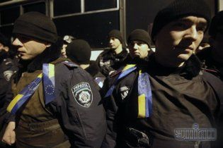 У Черкасах правоохоронці знесли намет активістів та розігнали Євромайдан під облдержадміністрацією