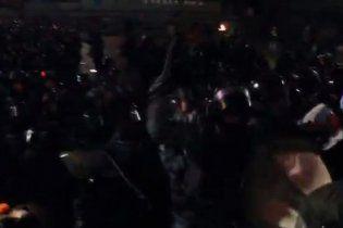 """""""Беркут"""" неистово бил беззащитных участников Евромайдана (видео)"""