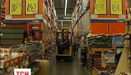 В киевском строительном гипермаркете товаром убило покупателя