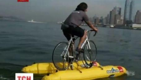 Американец превратил велосипед на речной транспорт