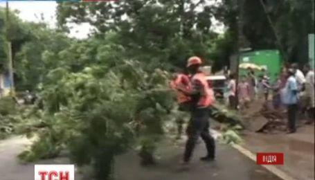 """В Индии начали эвакуацию из-за урагана """"Файлинь"""""""