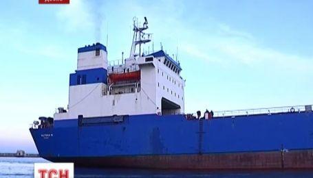 В Киеве ждут возвращения 16 арестованных моряков из Камеруна