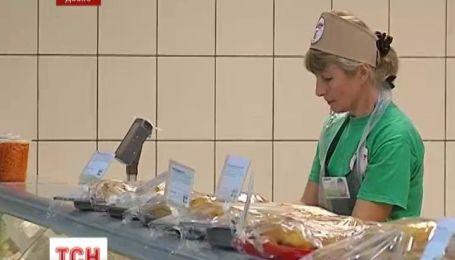 В курах-гриль с львовского супермаркета, нашли сальмонеллу