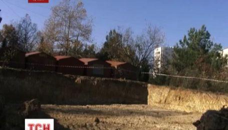 У Севастополі гімназисти та їх батьки повстали проти будівництва багатоповерхівки