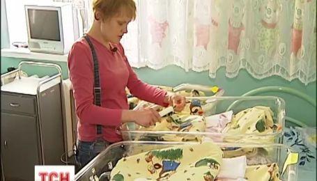 Наприкінці року на Київщині народилась перша трійня