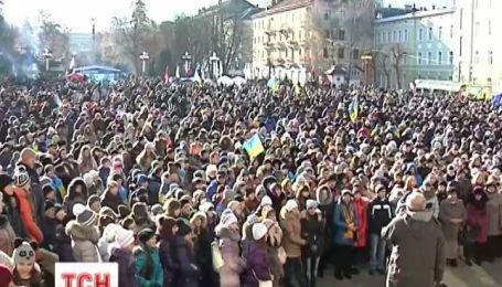 В Тернополе уже третьи сутки продолжается забастовка