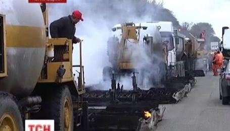Чернігівські дорожники освоюють європейську практику ремонту покриття