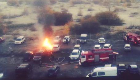 У Києві на парковці згоріла машина
