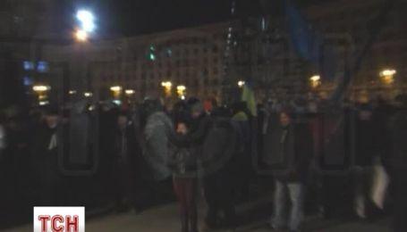 Разгон Евромайдана вблизи: взрывы, звон разбитого стекла, дым и крики