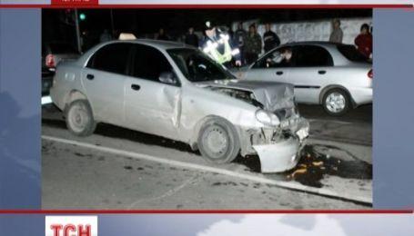 В Чернигове пьяный таксист протаранил сразу пять автомобилей