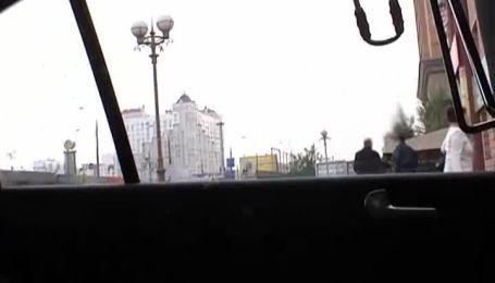 В Україні цілими фурами продають прострочену тушонку