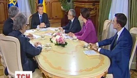 Янукович продемонстрировал, как он относится к Евромайдану