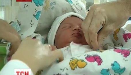 У Полтаві мати викинула немовля прямо на смітник
