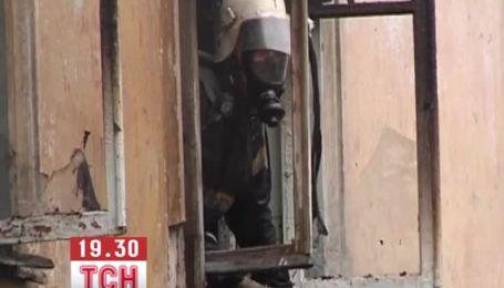 Двоє людей потрапили в реанімацію через вибух газу в квартирі на Луганщині