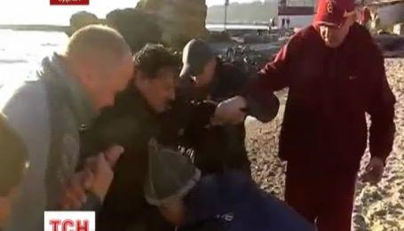 Неподалеку Одессы спасли двух рыбаков из ледяной воды