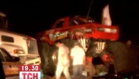 Во время автомобильного шоу в Мексике грузовик врезался в толпу людей