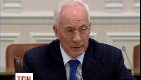 Азаров звинуватив опозицію у застосування сили