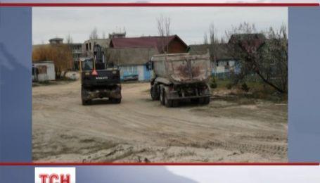 На Херсонщині незаконно вивозять пісок з берега Азовського моря