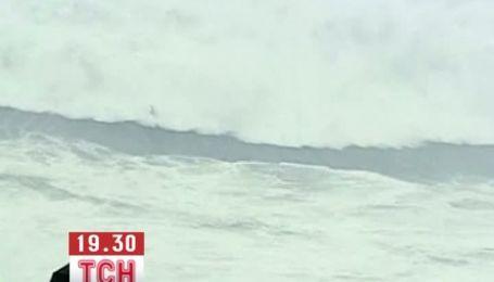 Рекордную волну поймал серфер из Бразилии