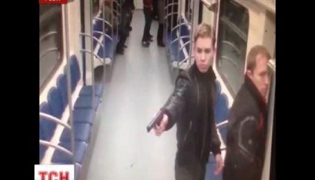 В Московском метро из травматического пистолета расстреляли дагестанца