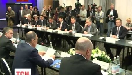 Украинцы отныне должны ездить в Россию по загранпаспортам