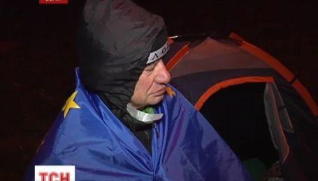 73-летний инвалид по зрению поселился в палатке в центре Сум