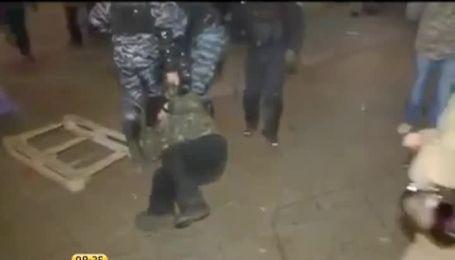 Положинский уверяет, что драку возле АП устроили профессиональные провокаторы