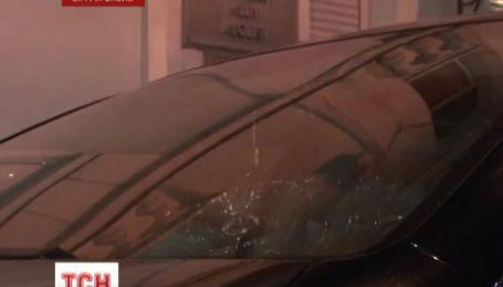 Машину Мустафы Джемилева забросали камнями