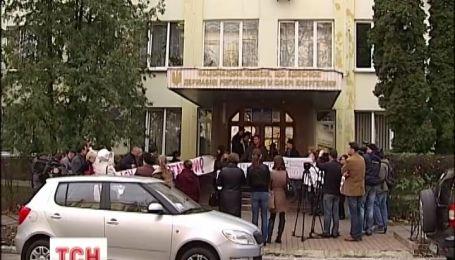 Снижение тарифов на свет требуют жители Ирпеня и Бучи, под Киевом