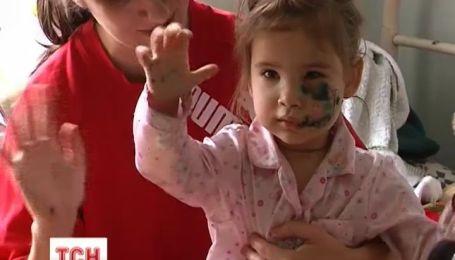 На Луганщине бойцовский пес разорвал лицо 3-летней девочке