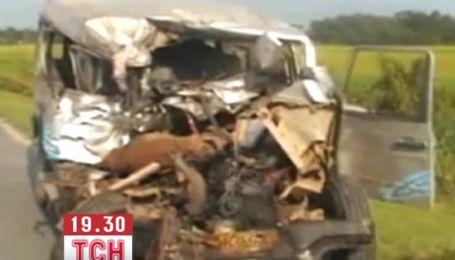 Десятки людей загинули в жахливому ДТП в Індії