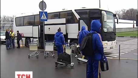 Сборная Украины по футболу вернулась домой без почестей
