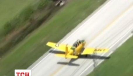Во Флориде пилот смог посадить самолет на шоссе