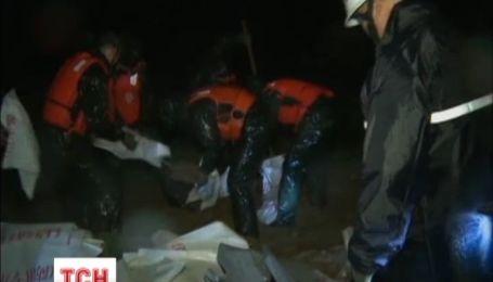 Сотні тисяч мешканців Китаю терміново евакуйовані через потужний тайфун