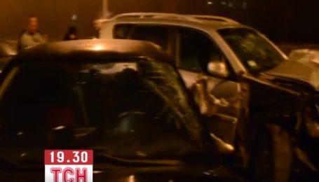 У Дніпропетровську водій позашляховика протаранив 7 автівок