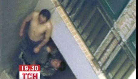 Китайцу, которому не дали прыгнуть с 14-го этажа, повесился на балконе
