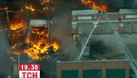 В Детройте выгорел комплекс размером в целый квартал