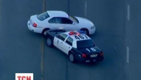 Лос-анджелеська поліція, ганяючись за порушником, показала кіношну майстерність