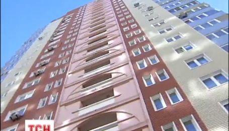 Из-за ремонта разваливается многоэтажка в Киеве