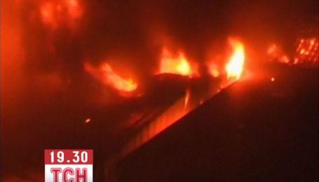 По меньшей мере 10 женщин сгорели заживо на фабрике в Бангладеш