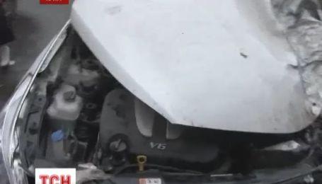 Одесит без водійських прав і документів на авто, втікаючи від ДАІ, розтрощив три авто