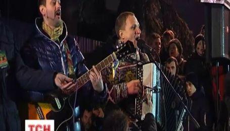 Олег Скрипка призвал людей к мирному протесту