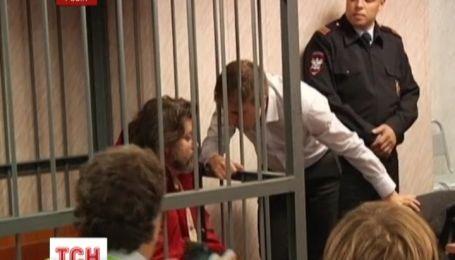 """Суд в Мурманске оставил за решеткой украинского кока с судна """"Гринпис"""""""