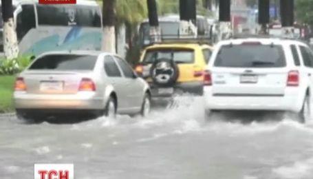 Мексику может атаковать новый ураган