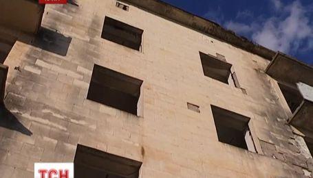 В Крыму школьник выпал с четвертого этажа недостроя